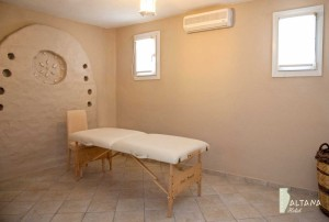 Altana Suites Spa & Massage